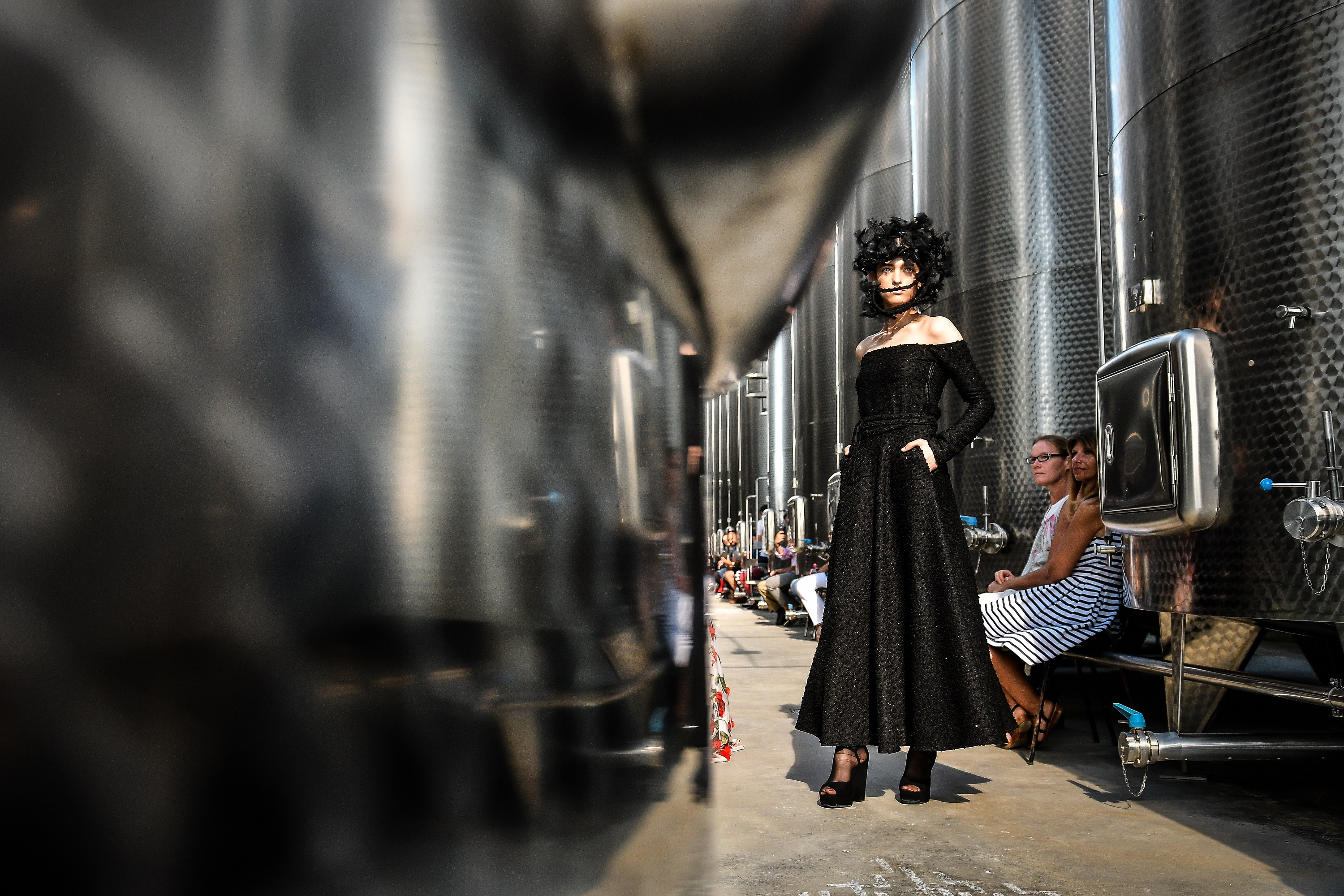 10th edition of Feeric Fashion Week begins at Tăuni Wine Cellar and Bethlen-Haller Castle